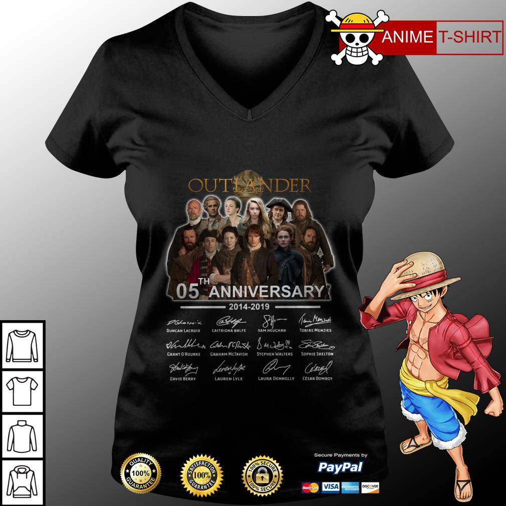 05th Anniversary Outlander Signature v-neck t-shirt