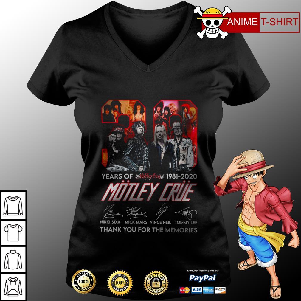 39 Motley Crue years of 1981 2020 signature v-neck t-shirt
